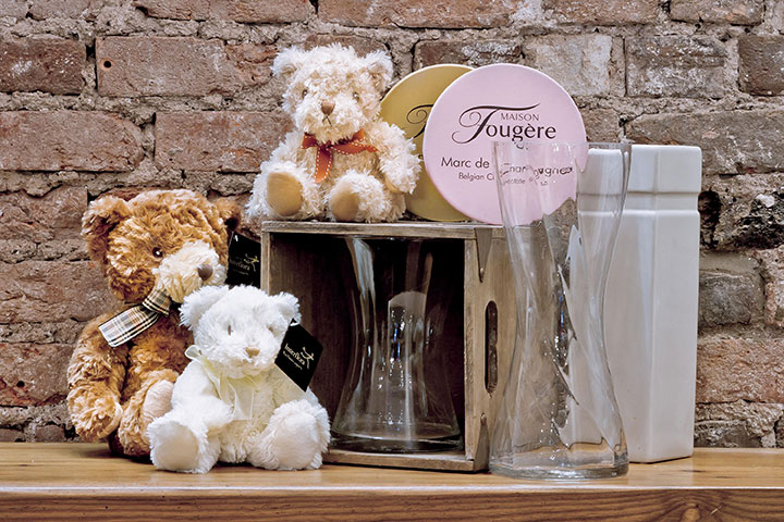 Sundries - Vases, Balloons, Chocolates & Teddy Bears